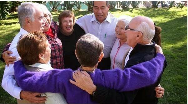 apoyo social entre personas mayores